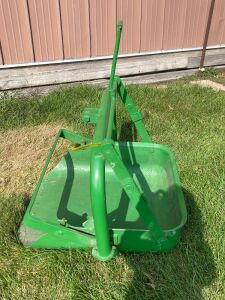 John Deere number 20 3-point dirt scoop restored