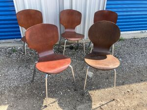 "5 mid-century modern style wood composite and metal chairs - measure 32"" H (18"" H seat) x 17.5"" L x 16"" W - 4 chairs match, 1 does not"