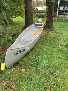 17-ft Grumman aluminum canoe with paddles-REGISTRATION ONLY