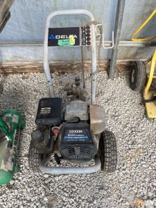 Delta brand Honda powered 2400 PSI 2.5 GPM pressure washer, the pump does leak