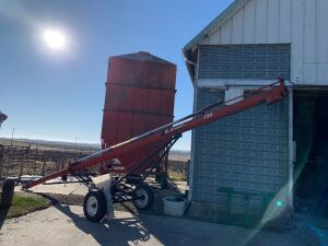 LBrandt 7:30 truck auger This has been damaged in the storm needs a new drive shaft from the pulley to the head Seller says it's a $400 fix from a machine shop **Motor will be sold separately on this auger im Lot 12638**