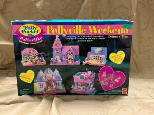 Polly Pocket Pollyville Weekend Deluxe Gift Set Walmart Special Edition