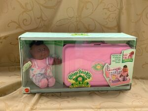 Cabbage Patch Kids Love'n Go Baby & Nursery Playset