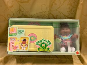 Cabbage Patch Kids Love'n Go Baby & Kitchen Playset