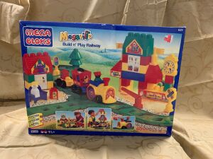 Mega Bloks Megaville  Build n' Play Railway