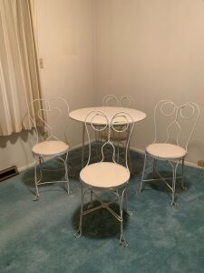 Ice cream parlor table and 4 chairs Top is not original to table
