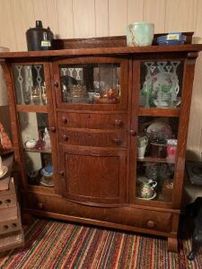 Quarter sawn oak veneer bow front china hutch w/ double glass doors,  bow front top drawer, two drawers and lower curved door Measure 48 x 17 x 52 *No contents*