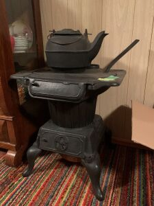 Laundry stove with lid lifter and cast iron kettle Stove measures 20 x 18 x 21