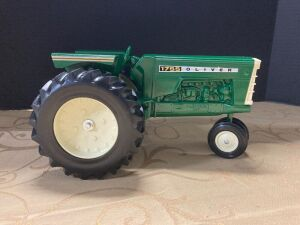 1/16 scale Oliver 1755 tractor