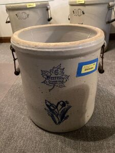 6 gallon Western Stoneware crock w wood and wire bale handles **This crock has been repaired-see photos**