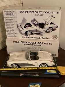 Gearbox Toys & Collectibles 1:12 scale 1958 Chevrolet Corvette