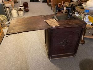 Minnesota Model B sewing machine w cabinet Measures 22 x 19 x 30 when closed