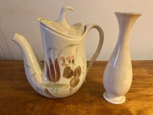 Red Wing tea pot and Red Wing 7 in. vase w chip