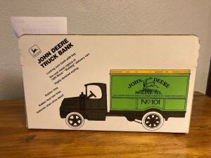 Ertl 1:25 John Deere 1926 Mack Bulldog Delivery Van locking coin bank