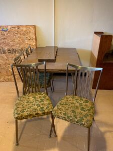 Formica topped dining table w 1 leaf and four chairs Table measures 50 x 35 x 29 w 10 inch leaf
