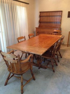 Cushman Colonial Shaker Style maple table and 6 chairs