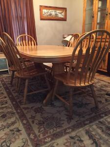 Pedestal Oak Dinning Room Table and six (6) Chairs