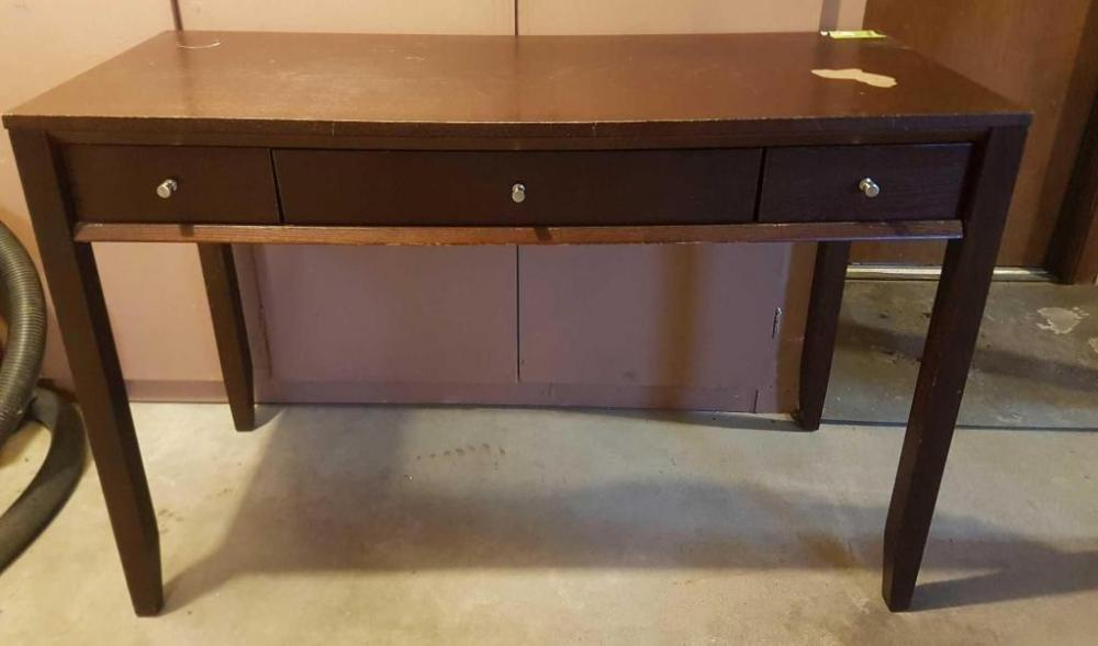 Small computer desk 20 x 48 - Current price: $22.5