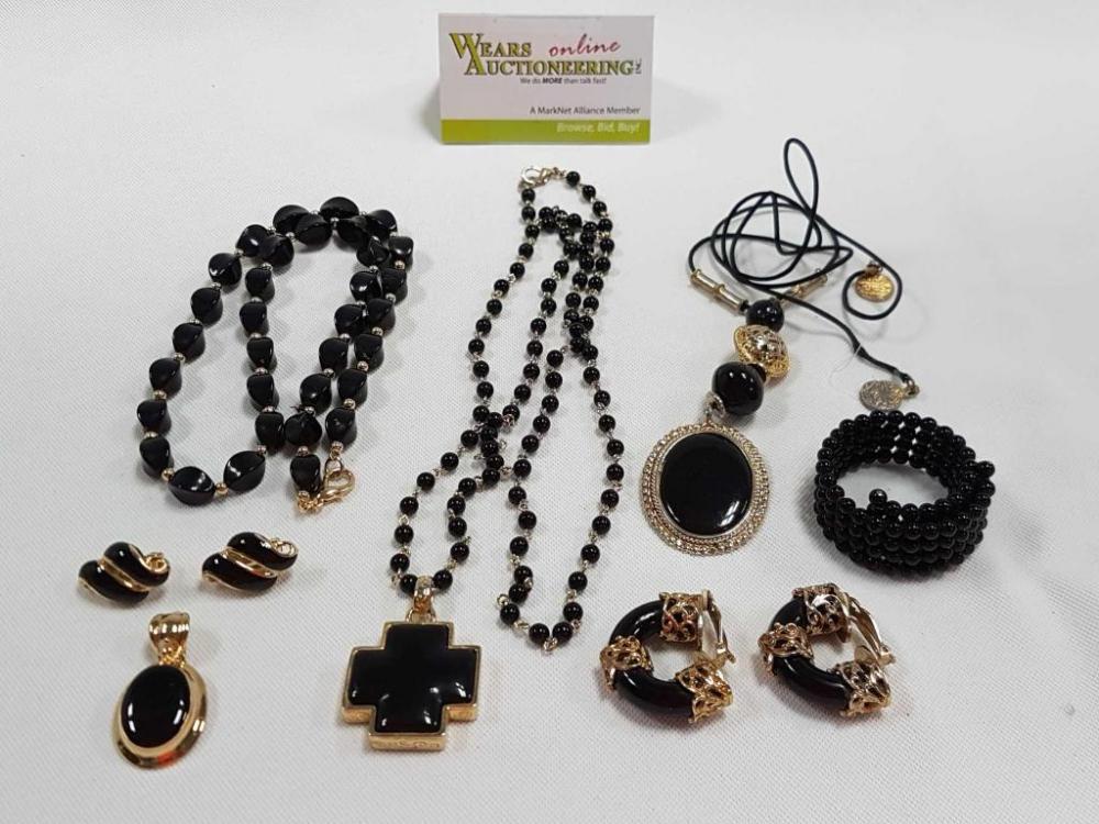 Vintage Jewelry Online Auction 18-0206.OL (#93236) 01/30/2018 8:30 PM CST - 02/06/2018 7:20 PM CST CLOSED!